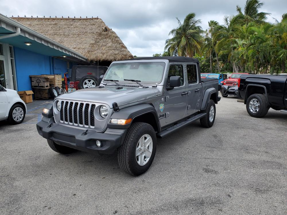 Silver Gladiator Sport with Soft Top